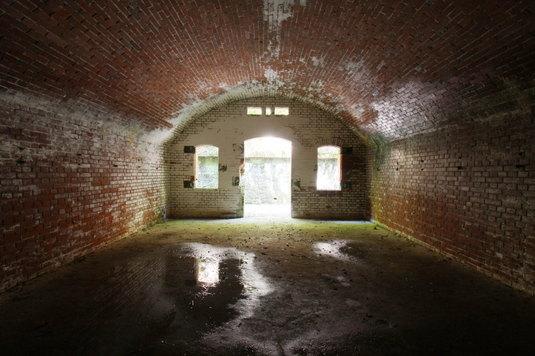 弾薬庫の内側