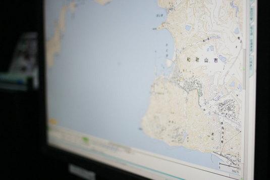ネットで地図を見る